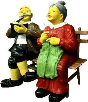 Дед с бабкой на лавке (H-112см) 2.48